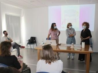 Presentación de un nuevo curso de la Escuela de Madres y Padres. FOTO: CALMA