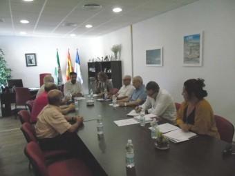 Un momento de la reunión con los representantes de las asociaciones. FOTO: M. RAMOS