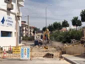 Obras que se realizan en el acceso al barrio San Miguel. FOTO: C. M.