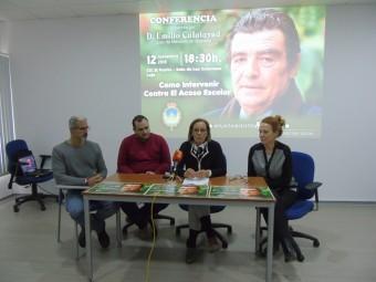 Técnicos sociales y autoridades, en la presentación de la charla del juez. FOTO: CALMA