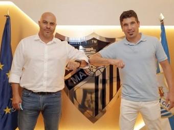 Funes -derecha- y Bravo, tras firmar como nuevo cuerpo técnico del Atlético Malagueño.