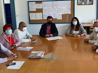 Reunión que se mantuvo entre Ayuntamiento, colegio y AMPA. FOTO: EL CORTO