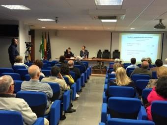 Salón de actos durante una charla anterior del ciclo organizado por el PSOE