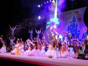 La V Gala de Navidad de Medina Lauxa volvió a ofrecer un gran espectáculo. FOTO: P.C.
