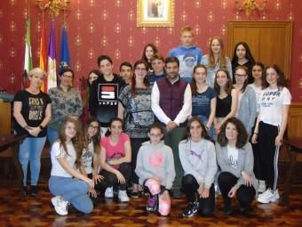 Visita de los alumnos alemanes al Palacio de Narváez. C. MOLINA.