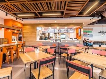 El primer Burger King en Loja abrirá el próximo 8 de julio. FOTO: EL CORTO