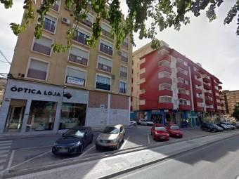 La avenida Pérez del Álamo, uno de los ejes comerciales de Loja. FOTO: GOOGLE MAPS