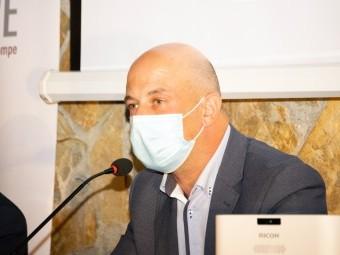 El autor José Antonio Arco, durante la presentación de su libro. FOTO: J. AGUILA