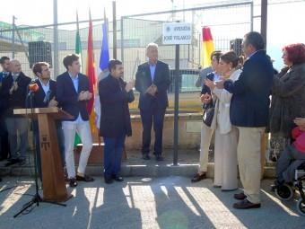 Momento del descubrimiento de la placa de la nueva avenida José Velasco. FOTOS: A. M.