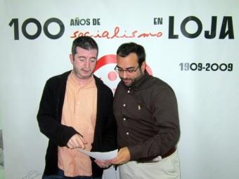 Juan Cobos y Juan Francisco Mancilla comprueban los datos económicos