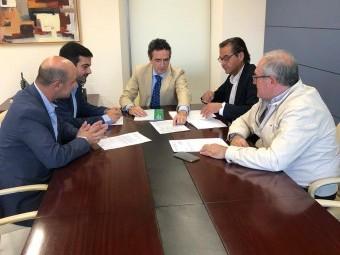 Reunión mantenida en la mañana de hoy en Granada con representantes de la Junta de Andalucía