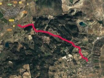 En rojo, la carretera que da acceso a la autovía desde Fuente Camacho. FOTO: G. MAPS