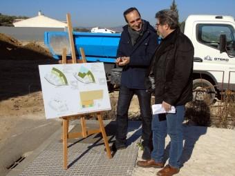 Gonzalo y Repiso muestran el proyecto de la estación de autobuses. FOTO: C. MOLINA