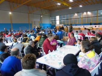 Más de 120 personas participaron de la convivencia en el pabellón Alfeia. FOTO: C. M.