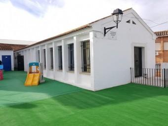 Edificio que alberga el centro infantil de Ventorros de San José. FOTO: J. A.