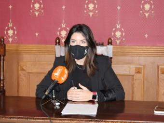 La edil, Paloma Gallego, explica la evolución de las ayudas a las pymes