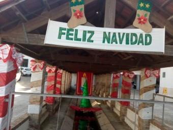 Decoración navideña en el lavadero municipal.