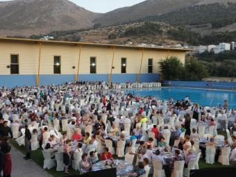 Alrededor de 1.350 personas se dieron cita en las piscinas municipales. P. C.