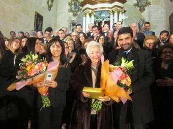 María del Carmen Romero, junto a la actual directora, Candelaria Jiménez, y el alcalde