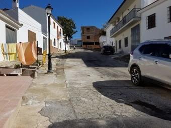 Zona de la calle Escuelas donde se actuará en la tercera fase. FOTO: J. AGUILA