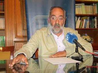 El portavoz de CPL durante la rueda de prensa en la que anunciaba hoy la ruptura del pacto