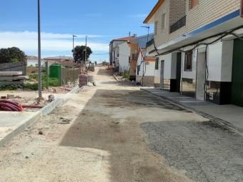 Aspecto general que la calle La Fuente en Ventorros de San José. FOTO: C. MOLINA