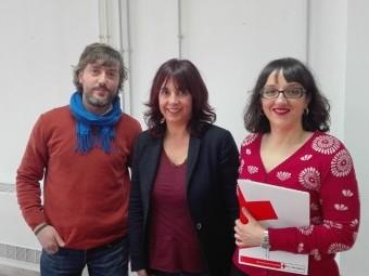 Ramón Soler, Olvido de la Rosa y Sonia Tarifa durante la presentación. Foto: J.Mª.J.