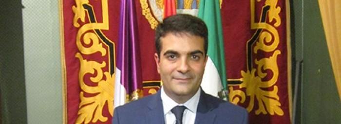 Joaquín Camacho durante la comunicación de los ceses y el reparto de delegaciones