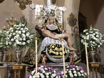 La Virgen de los Dolores expuesta en su altar esta Semana Santa. FOTO: C. M.