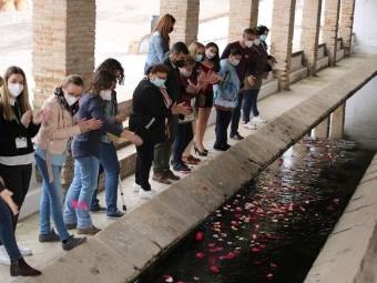 La celebración concluyo con la ceremonia del río en el lavadero. FOTO: PAULA