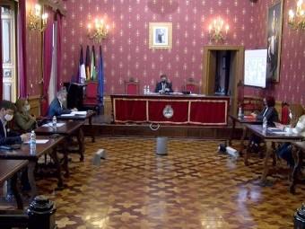 Un instante de la sesión plenaria correspondiente al mes de abril. FOTO: C. M.