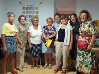 Integrantes del taller solidario, a beneficio de Cruz Roja. FOTO: EL CORTO