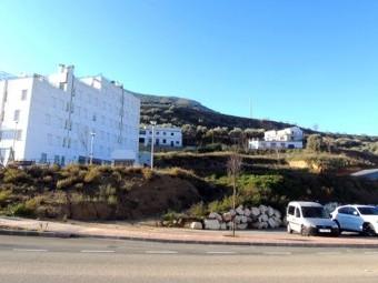 Terrenos en la zona del Mantillo donde ubicará la estación de autobuses. FOTO: C. M.