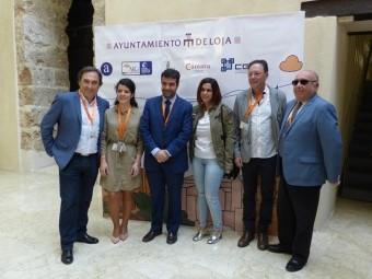 Representantes políticos y empresariales en la inauguración del primer Networking de Loja. X.A.