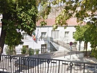 El Centro de Servicios Sociales se localiza en la Avenida Pérez del Álamo. FOTO: G.MAPS
