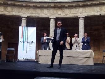 El arquitecto lojeño, José Luis Muñoz, en el momento de recoger su galardón en el palacio de Carlos