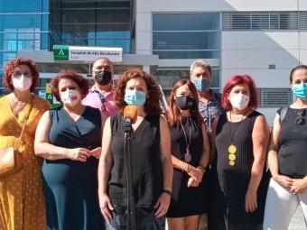 Representantes del PSOE de Granada y Loja en el Hospital