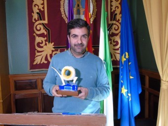 El alcalde de Loja, Joaquín Camacho, presentó los premiados de este año