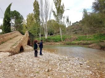 Maria Teresa Delgada y Joaquín Ordóñez durante la visita a la zona afectada por la riada