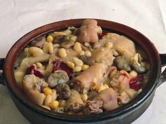 Tradicional Olla de San Antón.