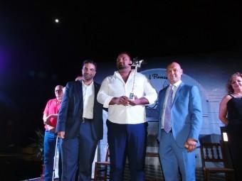 Isco Heredia, ganador del pasado año, con la Volera de Plata del concurso.