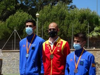 Luis Miguel Montosa, en el centro, tras proclamarse campeón de la prueba.
