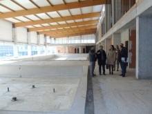 Autoridades municipales y responsables financieron visitan las instalaciones. FOTO: CALMA