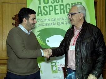 Camacho y Contreras, durante la firma del nuevo acuerdo. FOTO: C. MOLINA
