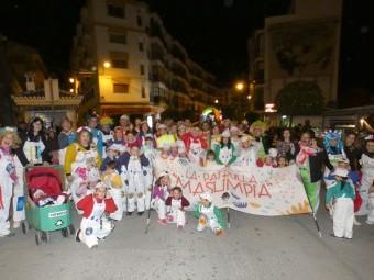 'La patrulla más limpia' fue uno de los grupos más numerosos del carnaval. FOTO: P. C.