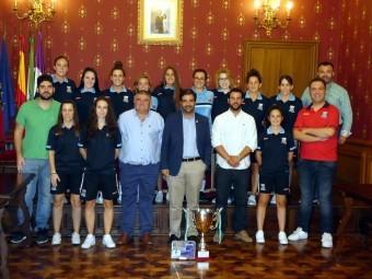 Foto de la recepción del equipo en el Ayuntamiento tras ganar la Copa de Andalucía.