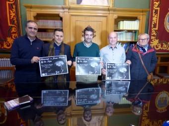 Gómez, Pinilla, Camacho, Cáceres y Ortiz en rueda de prensa en la que se presentó el homenaje. A. M.