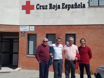 Los miembros de Encorpo junto a miembros de Cruz Roja.