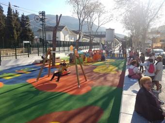 Los pequeños de La Estación disfrutaron en la apertura del nuevo parque. FOTO: JORGE ÁGUILA.