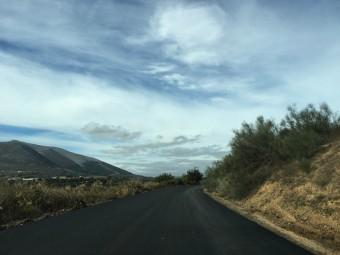El vial, conocido como 'carretera de la vega', recién asfaltado. A. MATAS